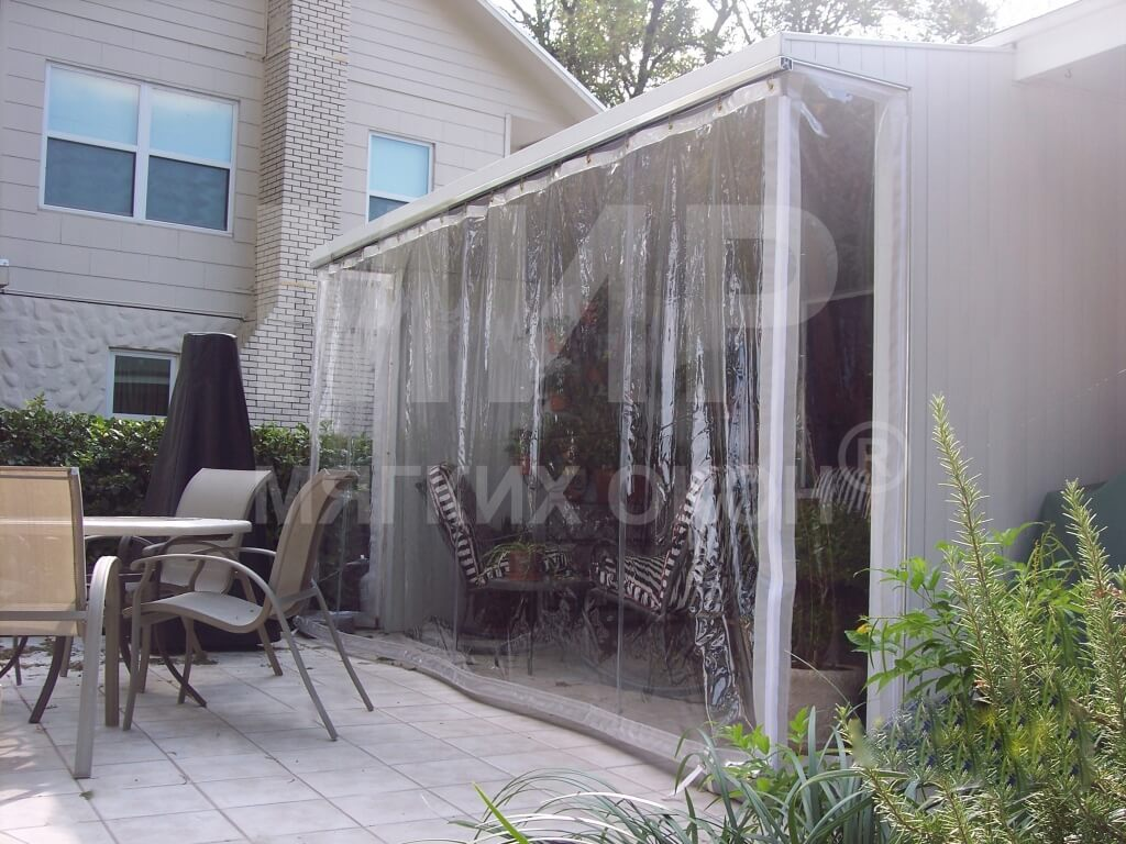 roller-curtain-over-patio1_0_1.jpg